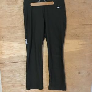 Nike fit dry women's Med green drawstring leggings